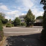 großer Schulhof